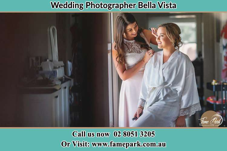 Photo of the Bride having make up Bella Vista NSW 2153