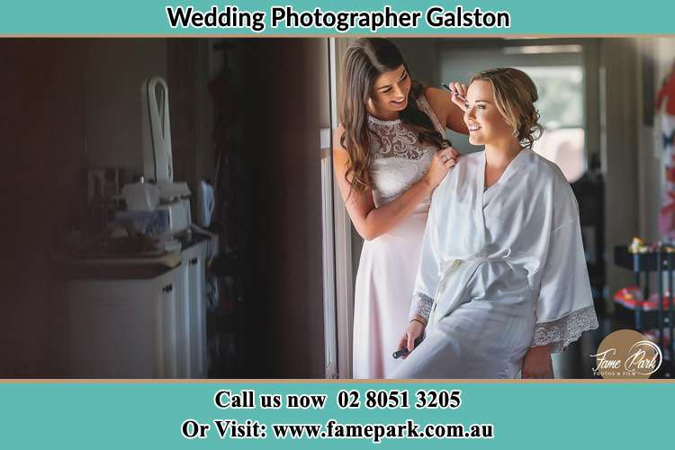 Photo of the Bride having make up Galston NSW 2159