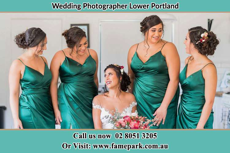 Photo of the Bride and the bridesmaids Lower Portland NSW 2756